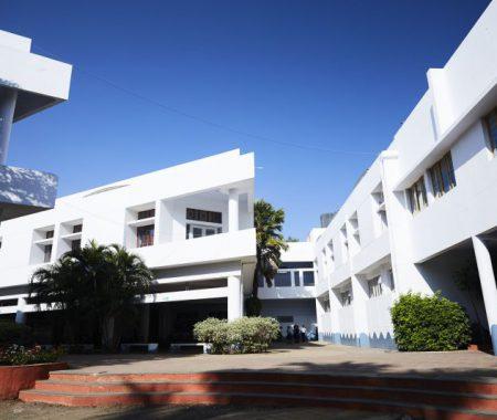 school_building_800